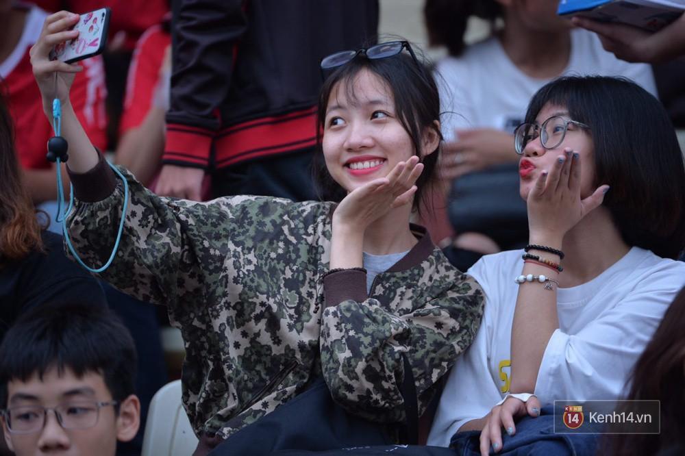Fandom quốc dân của U23 Việt Nam hừng hực khí thế cổ vũ cho đại chiến Hà Nội - HAGL - Ảnh 14.