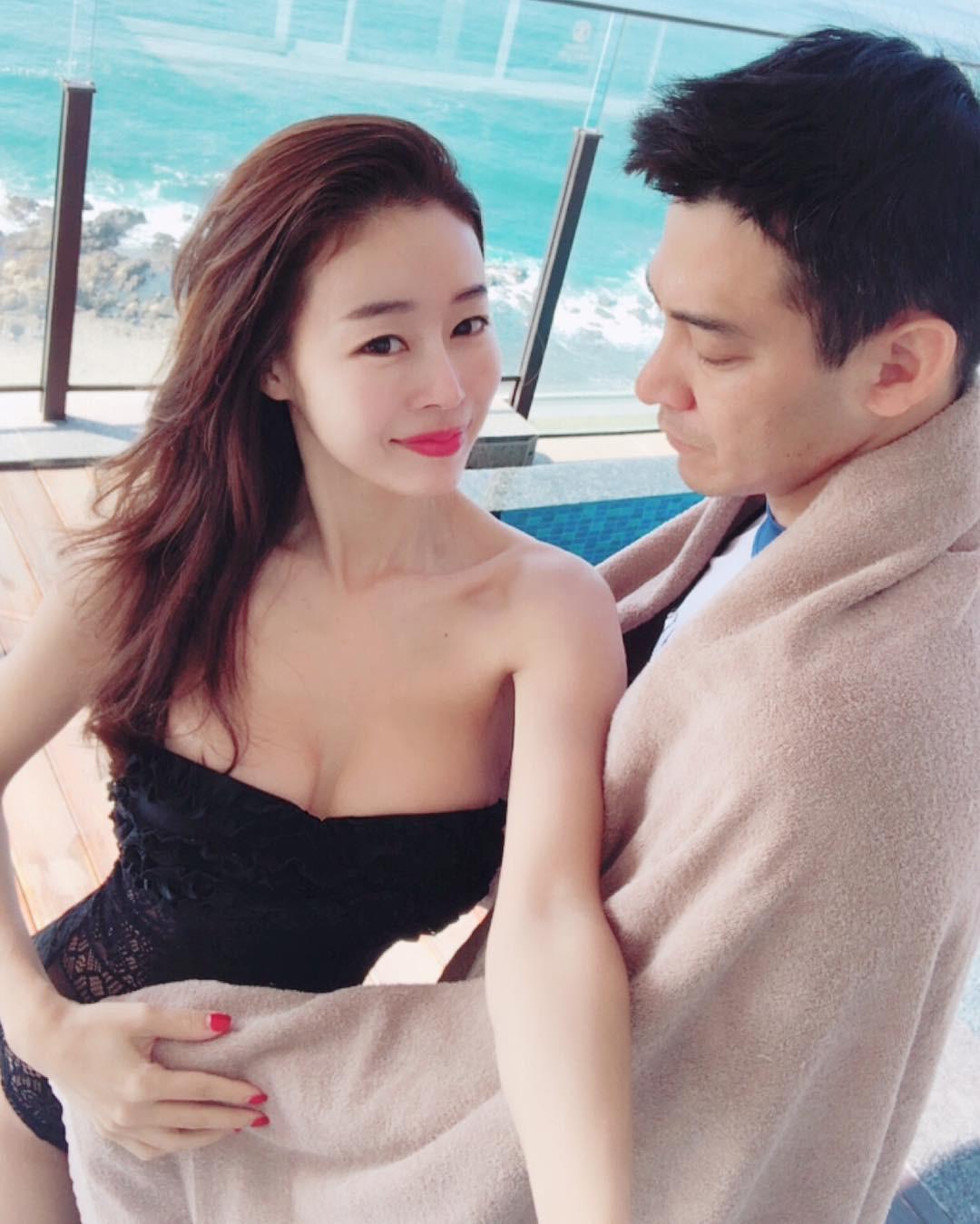 Nhan sắc trẻ trung không đùa được của bà mẹ 43 tuổi xứ Hàn khiến nhiều người tưởng mới đôi mươi - Ảnh 2.