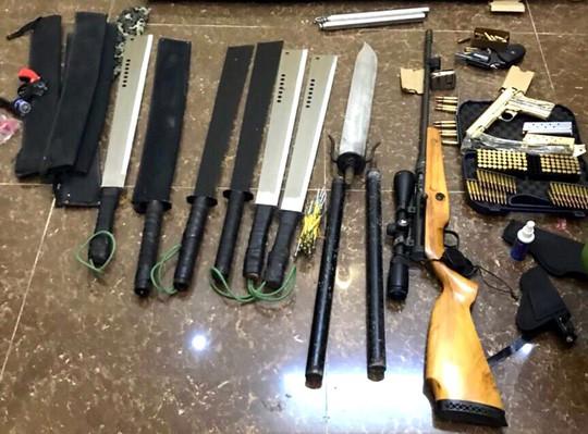 Vụ nổ súng ở Đà Lạt: Hàng xóm khai lạc đạn khi thử súng - Ảnh 4.