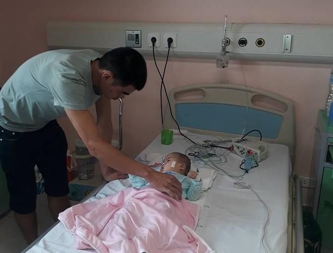 Ninh Bình: Bé gái 9 tháng tuổi ngất lịm, toàn thân tím tái sau mũi tiêm của y sĩ - Ảnh 5.