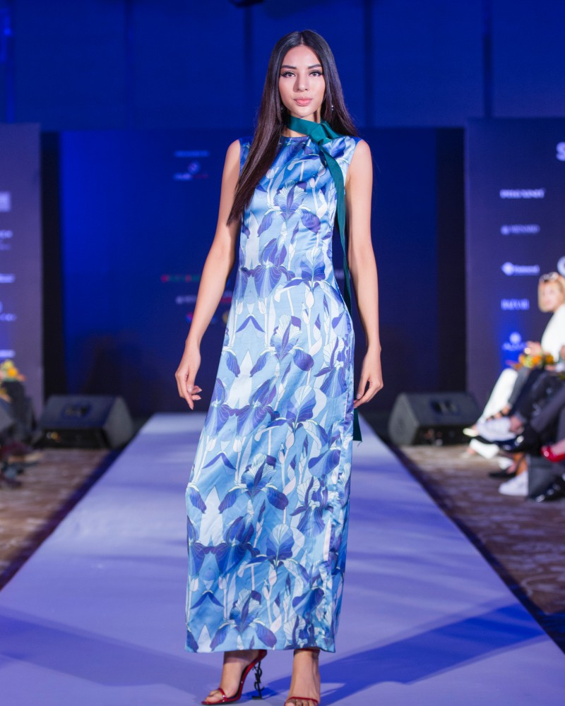 More than a week in the opening, but Vietnam International Fashion Week has revealed the new design - Photo 4.