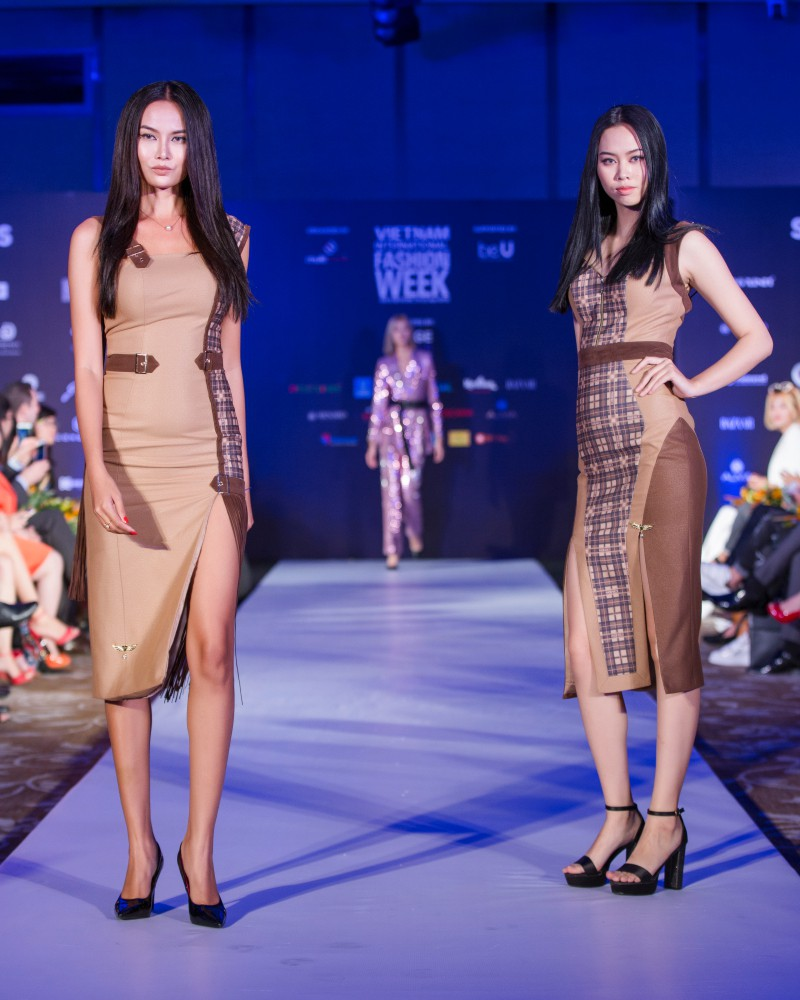 More than a week in the opening ceremony, but Vietnam International Fashion Week has revealed the new design - Photo 6.