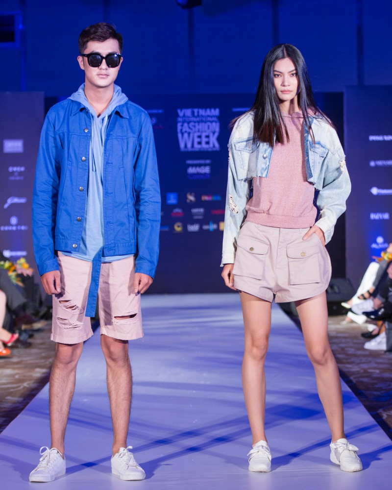 More than a week in the opening, but Vietnam International Fashion Week has revealed the new design - Photo 9.