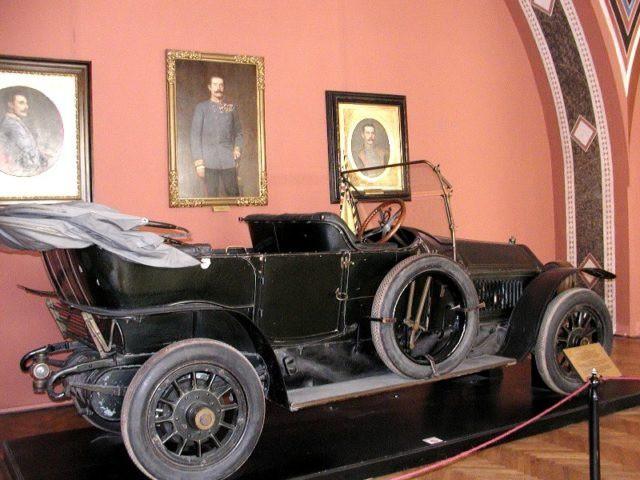 Câu chuyện ly kỳ về 3 chiếc xe tử thần: Nhiều nhân vật nổi tiếng đã bỏ mạng trên những chiếc ô tô đen đủi này - Ảnh 2.