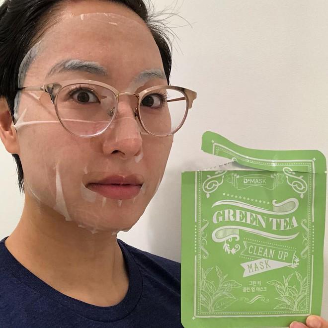 """Gần như ngày nào cũng đắp mặt nạ giấy, cô nàng này đã rút ra 5 tips cực hay giúp công cuộc làm đẹp của bạn """"lên hương"""" - Ảnh 2."""
