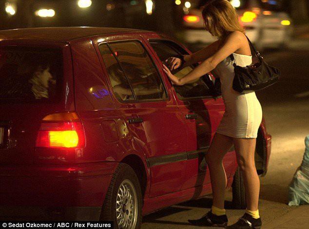 Câu chuyện hợp pháp hóa mại dâm tại 10 nước trên thế giới: Nước cho phép bán dâm nhưng lại hạn chế việc mua dâm - Ảnh 1.