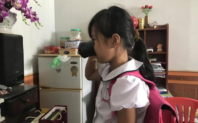 Vụ HS bị ép uống nước giẻ lau bảng: Gia đình bức xúc mẹ nữ giáo viên giật kết quả khám