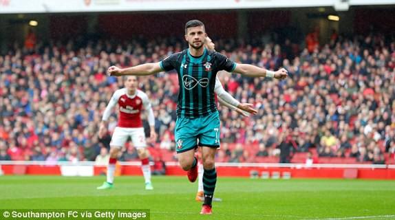 Welbeck lập cú đúp, Arsenal thắng kịch tính Southampton - Ảnh 3.
