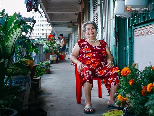 Chùm ảnh: Cuộc sống của những người hơn 4 thập kỷ bên trong các chung cư hạng C giữa Sài Gòn - Ảnh 9.