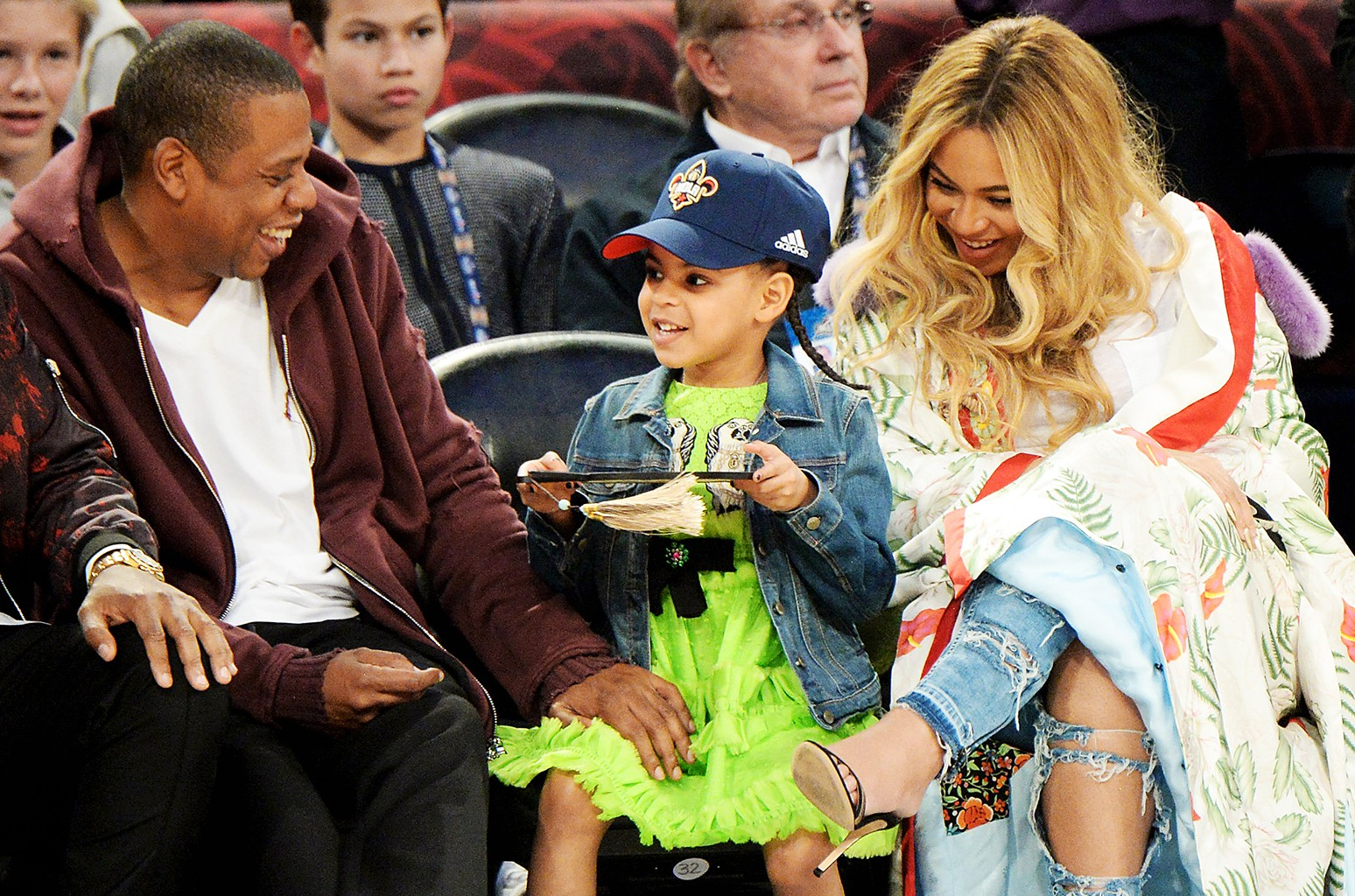Đẳng cấp ái nữ nhà Beyoncé & Jay-Z: tròn 6 tuổi đã có stylist riêng lẫn tủ đồ hiệu vạn người mê - Ảnh 2.