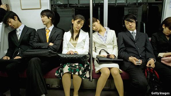 Người Nhật tự ti nhất thế giới về ngoại hình: Đi về đâu rồi những chàng trai, cô gái Harajuku đầy tự tin cá tính? - Ảnh 3.