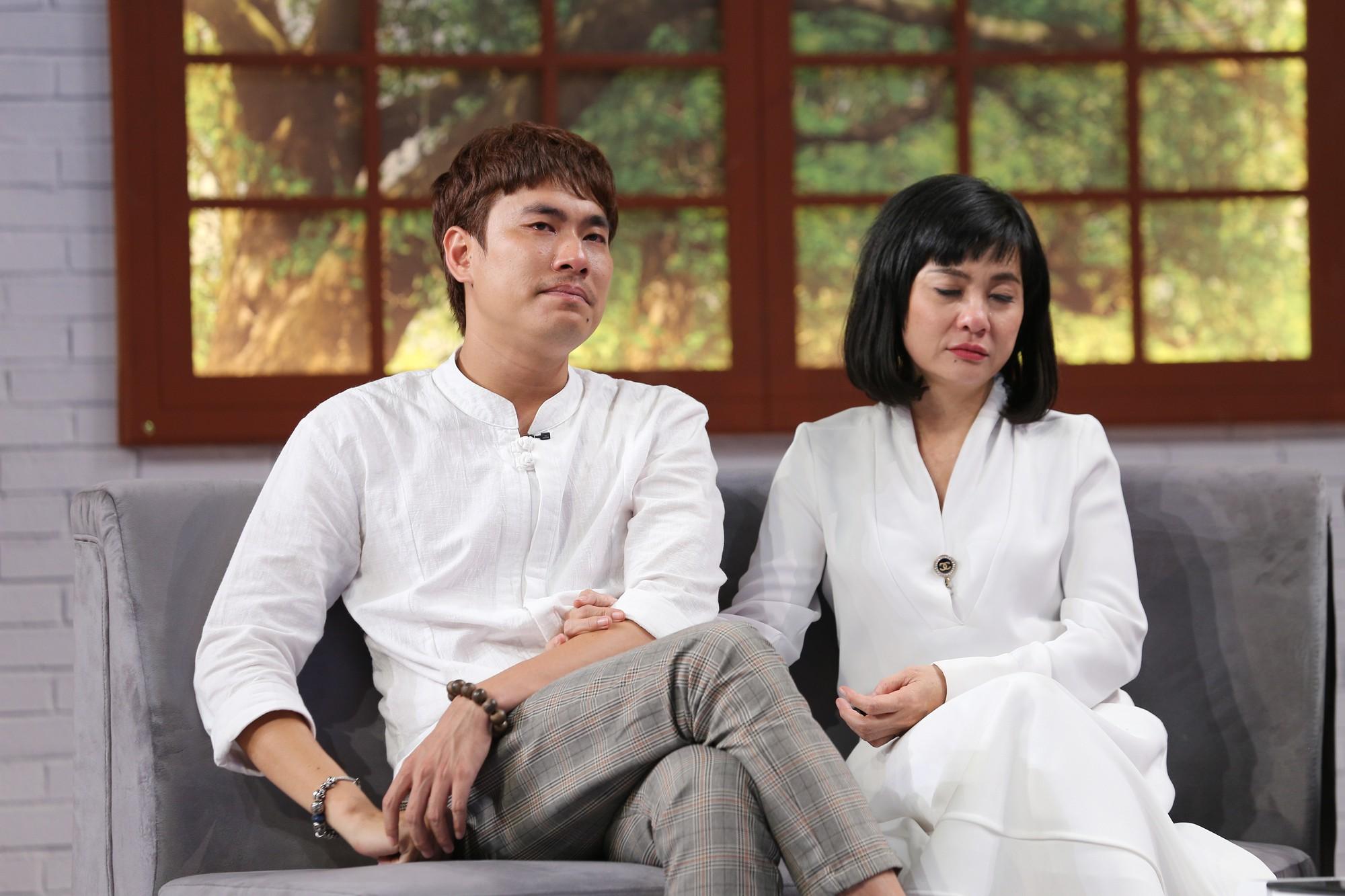 Kiều Minh Tuấn rơi nước mắt khi nhắc đến nguyện vọng có con với Cát Phượng - Ảnh 5.