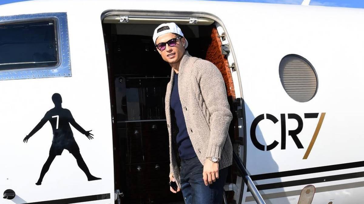 Chỉ nhờ máy bay riêng, Ronaldo đã bỏ túi 28 tỷ đồng - Ảnh 1.