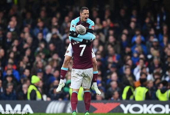 Chelsea 1-1 West Ham: Morata thi đấu nhạt nhòa, ghế của Conte lung lay dữ đội - Ảnh 4.