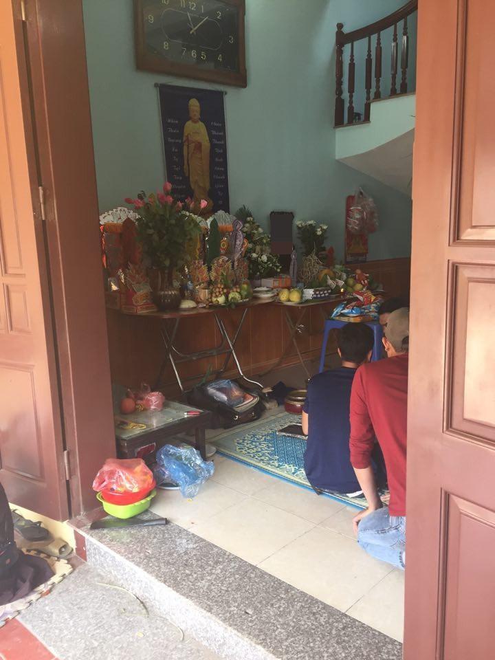 Vụ xe điên gây tai nạn thương tâm ở Hà Nội: Mẹ gãy chân nằm viện không hay biết con gái 7 tuổi đã mất - Ảnh 4.