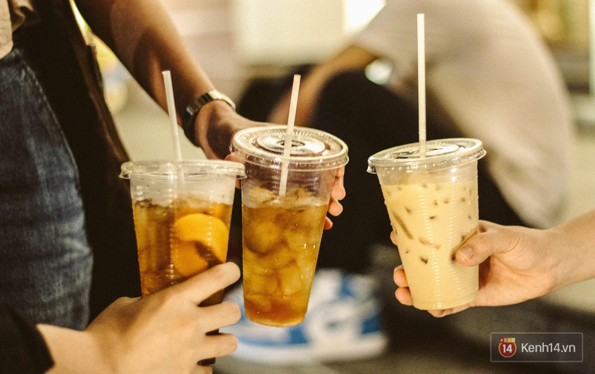 Dù chỉ là trà sữa ven đường nhưng các hàng này ở Sài Gòn lại hút khách hơn cả những thương hiệu lớn - Ảnh 4.