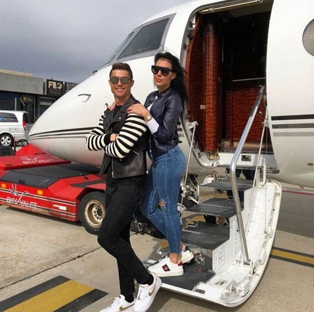 Chỉ nhờ máy bay riêng, Ronaldo đã bỏ túi 28 tỷ đồng - Ảnh 2.