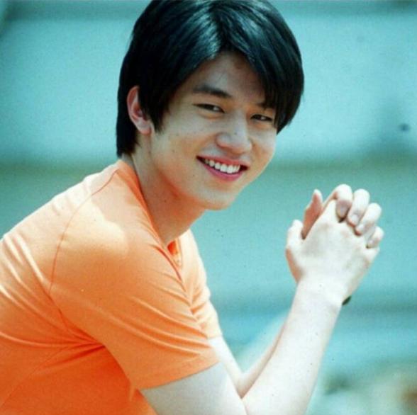 Lee Dong Wook lộ ảnh quá khứ một trời một vực so với hiện tại: Liệu có dao kéo để trùng tu nhan sắc? - Ảnh 2.