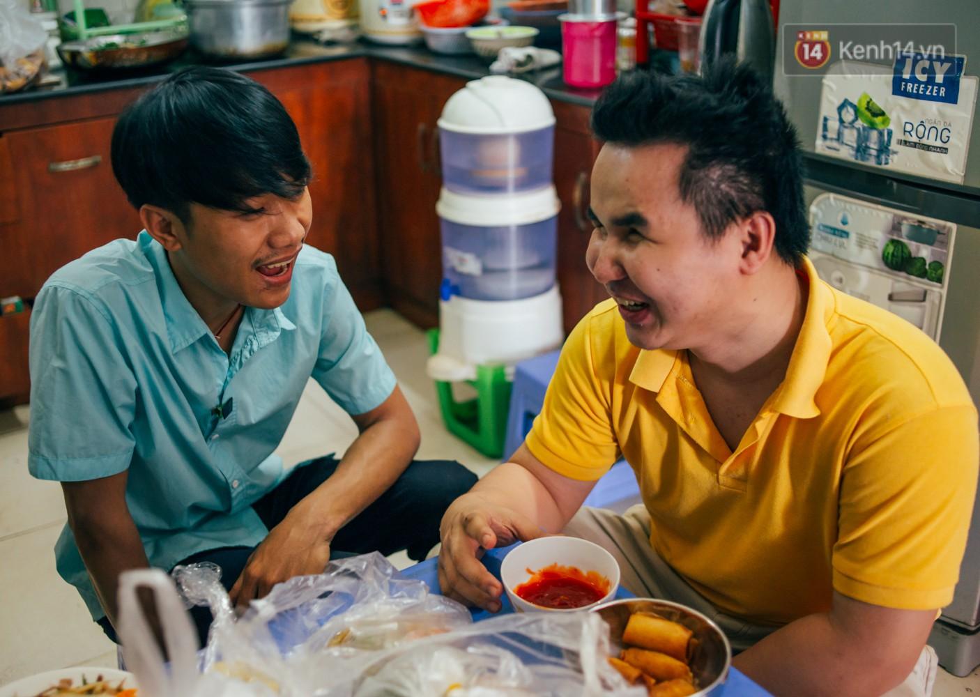 Câu chuyện cảm động phía sau cơ sở massage ở Sài Gòn với nhân viên và ông chủ đều là người khiếm thị - Ảnh 12.