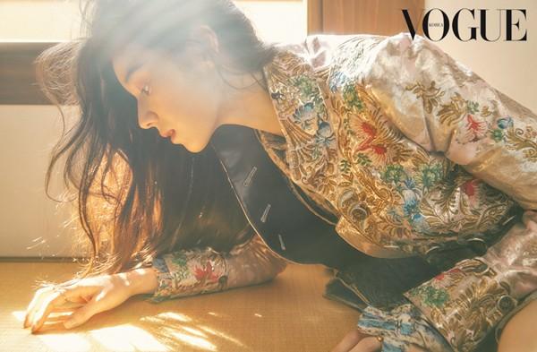 Nữ diễn viên U40 vô danh bỗng được chú ý: Trẻ khó tin, xinh như nữ thần Kpop, nhưng lại có thần thái minh tinh - Ảnh 3.