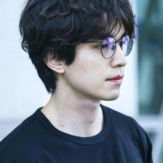 Lee Dong Wook lộ ảnh quá khứ một trời một vực so với hiện tại: Liệu có dao kéo để trùng tu nhan sắc? - Ảnh 16.