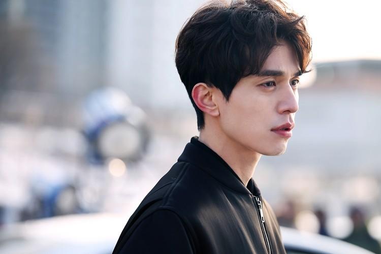 Lee Dong Wook lộ ảnh quá khứ một trời một vực so với hiện tại: Liệu có dao kéo để trùng tu nhan sắc? - Ảnh 14.
