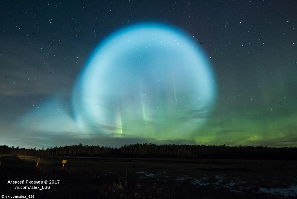 Bí ẩn quả cầu rực sáng giữa trời đêm Siberia - phải chăng người ngoài hành tinh đã đến? - Ảnh 1.