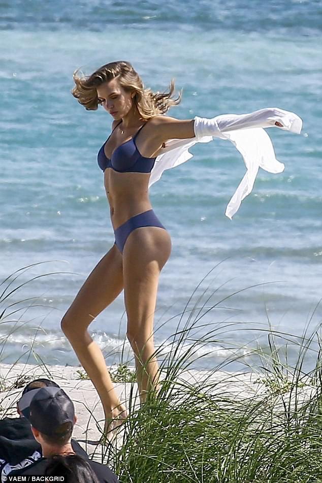 Body bốc lửa của dàn thiên thần Victorias Secret này chính là động lực để bạn đến phòng gym ngay! - Ảnh 11.