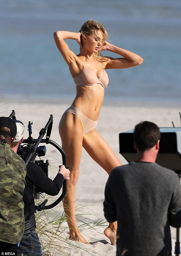 Body bốc lửa của dàn thiên thần Victorias Secret này chính là động lực để bạn đến phòng gym ngay! - Ảnh 15.
