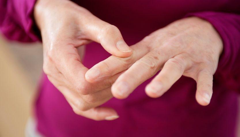 Mùa lạnh rất dễ bị đau đầu ngón tay bởi các nguyên nhân dưới đây - Ảnh 5.
