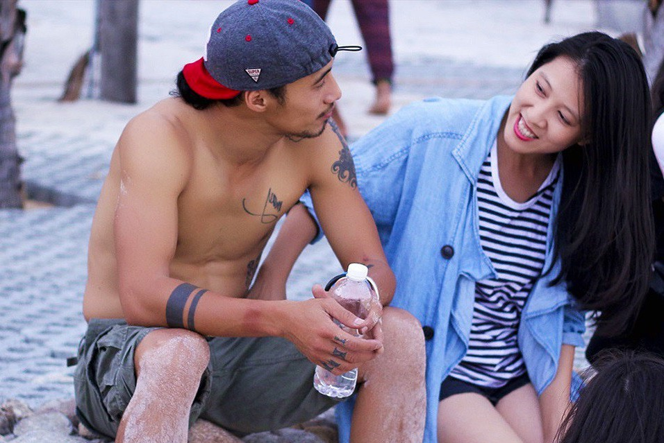 Giữa tâm bão chồng bị tố gạ tình, vợ Phạm Anh Khoa lên tiếng: Muốn lắng nghe từ cả hai bên, mà còn cảm thấy tổn thương - Ảnh 2.