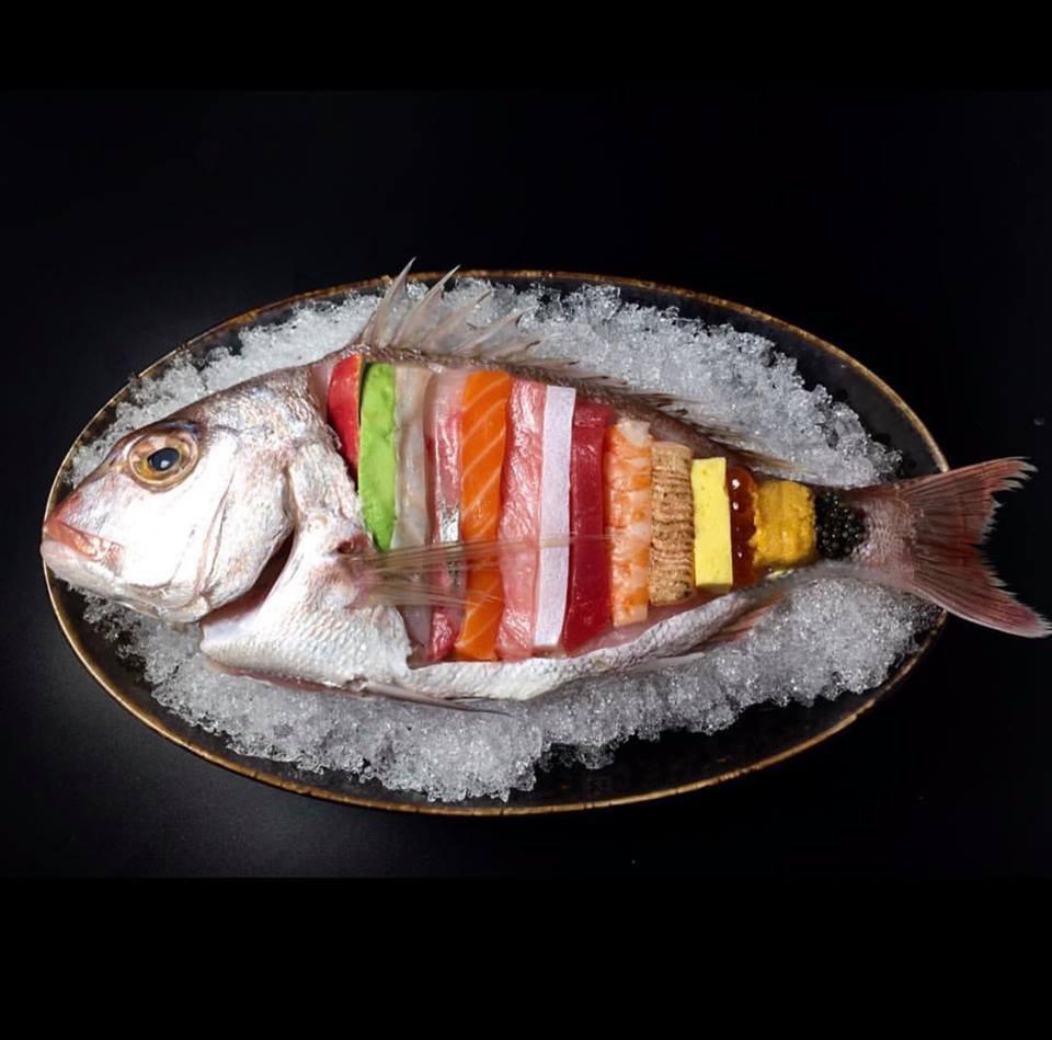 Những phần sashimi sống động có chút rợn người thế này bạn có dám thử không? - Ảnh 2.