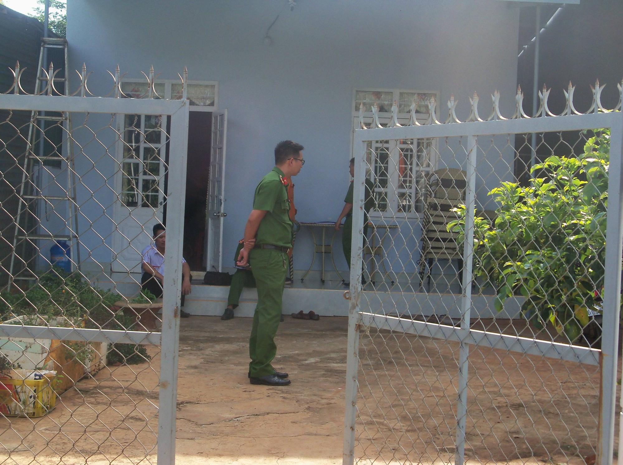 Bé trai 7 tuổi bị điện giật chết khi đang chơi trong sân nhà hàng xóm 1