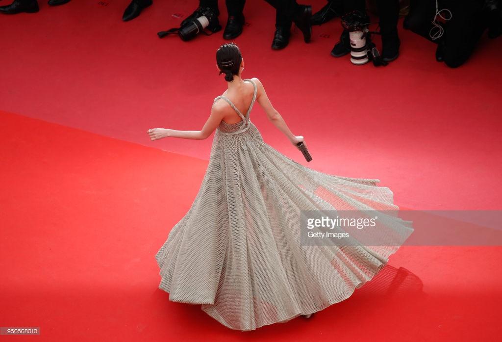 Không phải Phạm Băng Băng, đây mới là mỹ nhân châu Á có những khoảnh khắc thần sầu nhất tại thảm đỏ Cannes - Ảnh 10.
