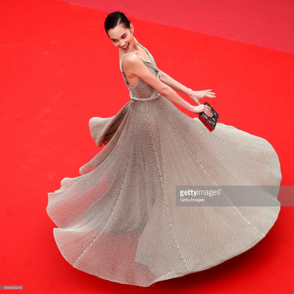 Chiêu trò câu giờ tại Cannes: Người đẹp hạng A lẫn mỹ nhân vô danh đang vứt thể diện trên đấu trường quốc tế? - Ảnh 16.
