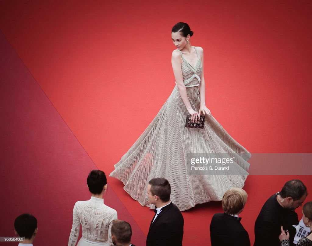 Chiêu trò câu giờ tại Cannes: Người đẹp hạng A lẫn mỹ nhân vô danh đang vứt thể diện trên đấu trường quốc tế? - Ảnh 15.