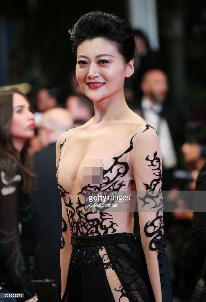 Sự thật bẽ bàng về tấm vé tới Cannes của mỹ nhân Trung Quốc chơi trội lộ nhũ hoa tại thảm đỏ - Ảnh 3.