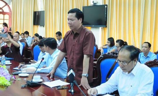Cựu giám đốc BV Hòa Bình xuất cảnh trước phiên xử vụ 8 người chạy thận tử vong - Ảnh 1.