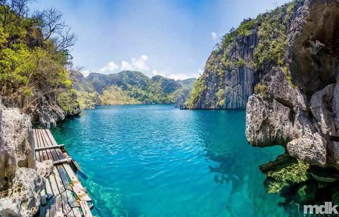 Coron - đảo thiên đường đẹp không thua Maldives của Philippines Photo-8-15259166367121693249073