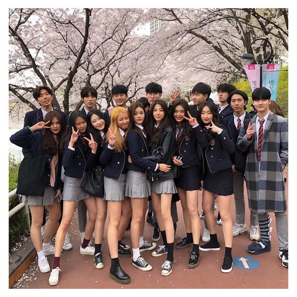 Ngôi trường ở Hàn Quốc này sẽ khiến bạn muốn đăng ký học ngay vì cứ đi 3 bước là gặp trai xinh gái đẹp - Ảnh 1.