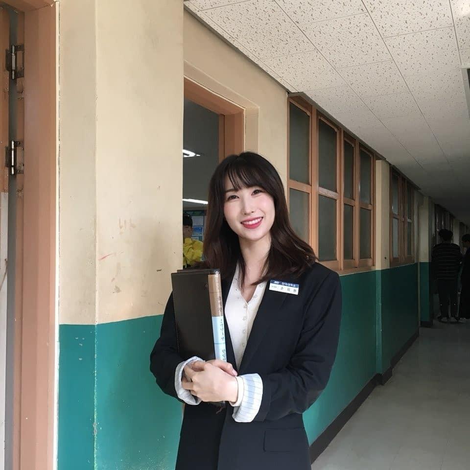Ngôi trường ở Hàn Quốc này sẽ khiến bạn muốn đăng ký học ngay vì cứ đi 3 bước là gặp trai xinh gái đẹp - Ảnh 7.
