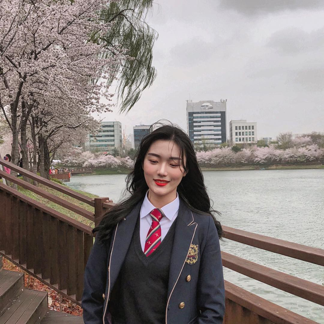 Ngôi trường ở Hàn Quốc này sẽ khiến bạn muốn đăng ký học ngay vì cứ đi 3 bước là gặp trai xinh gái đẹp - Ảnh 8.