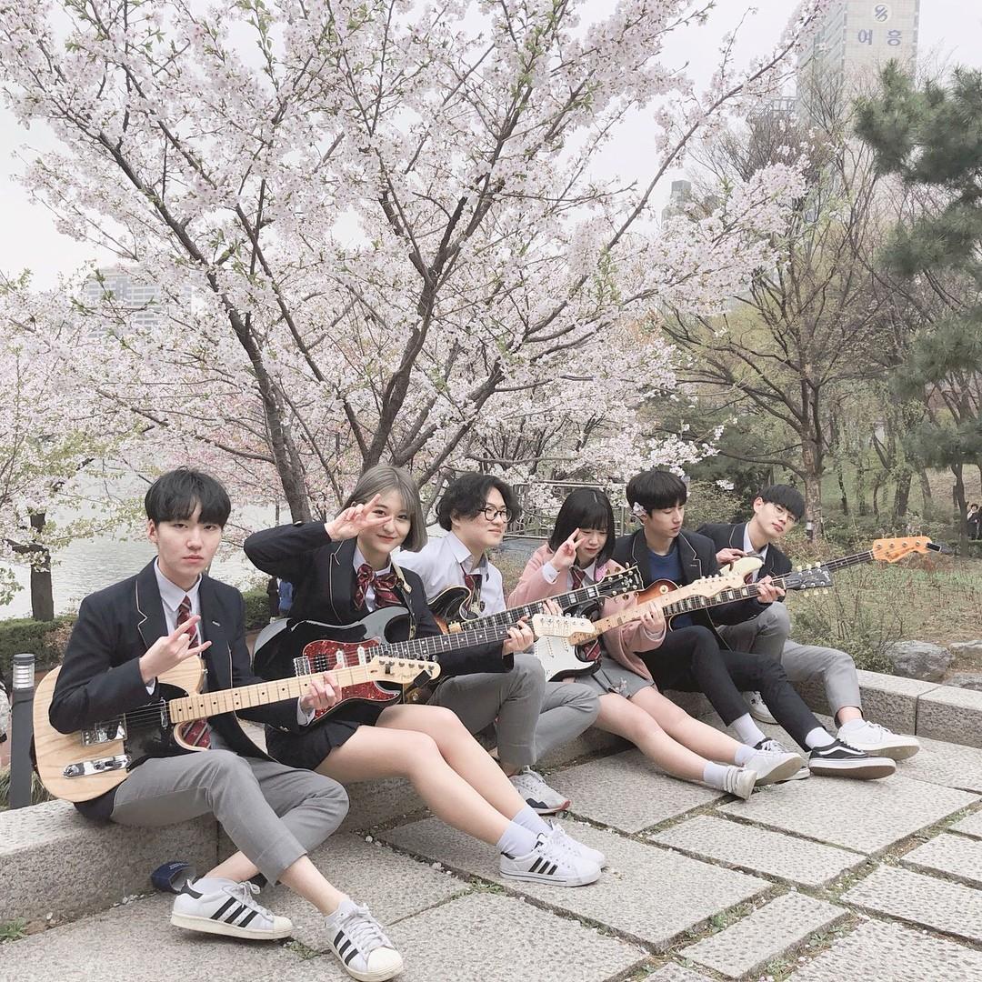 Ngôi trường ở Hàn Quốc này sẽ khiến bạn muốn đăng ký học ngay vì cứ đi 3 bước là gặp trai xinh gái đẹp - Ảnh 2.