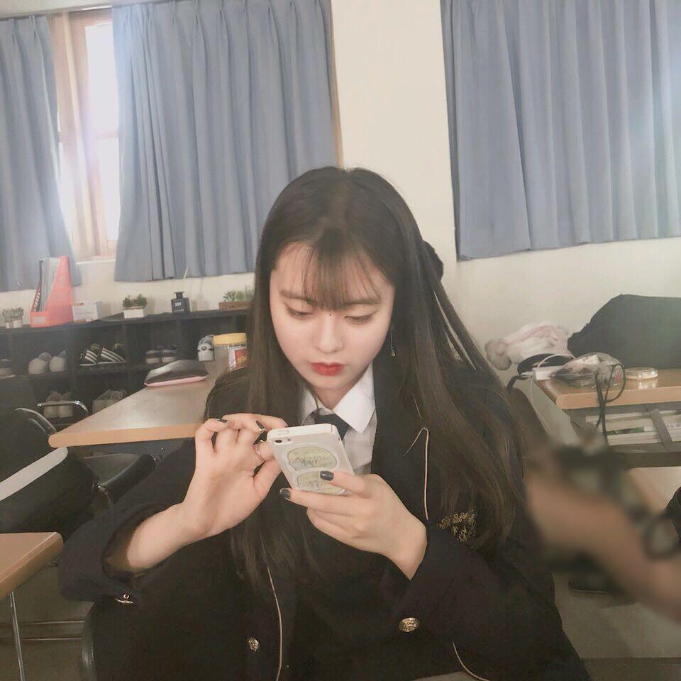 Ngôi trường ở Hàn Quốc này sẽ khiến bạn muốn đăng ký học ngay vì cứ đi 3 bước là gặp trai xinh gái đẹp - Ảnh 15.