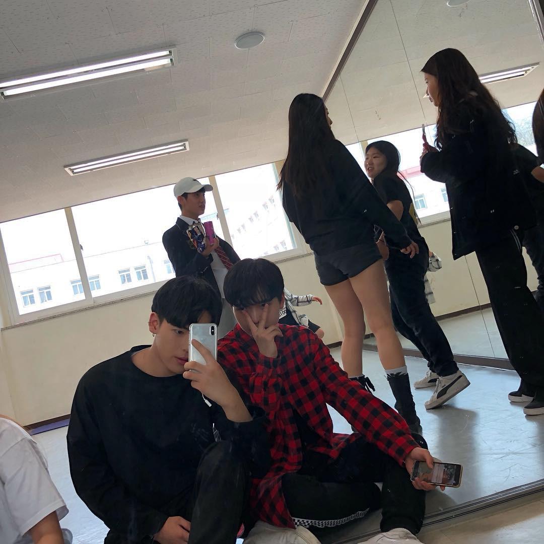 Ngôi trường ở Hàn Quốc này sẽ khiến bạn muốn đăng ký học ngay vì cứ đi 3 bước là gặp trai xinh gái đẹp - Ảnh 19.