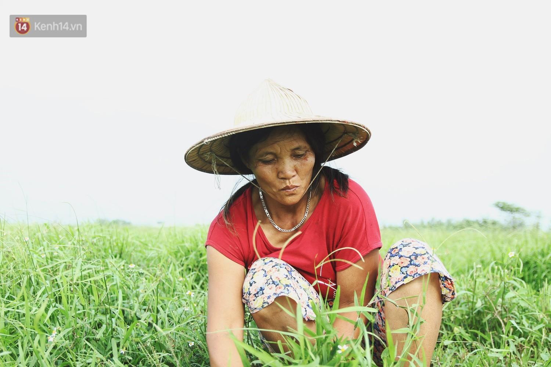 Người mẹ nghèo sinh 14 đứa con ở Hà Nội: Cố gắng tích góp để lỡ nằm xuống còn có cỗ quan tài, chứ chẳng phiền các con - Ảnh 1.