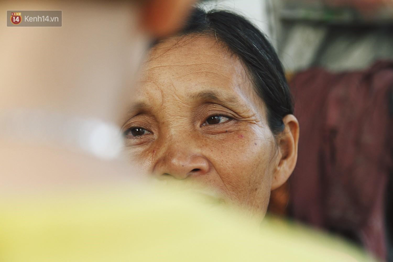 Người mẹ nghèo sinh 14 đứa con ở Hà Nội: Cố gắng tích góp để lỡ nằm xuống còn có cỗ quan tài, chứ chẳng phiền các con - Ảnh 5.