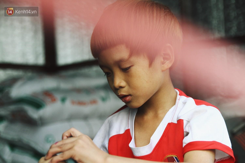 Người mẹ nghèo sinh 14 đứa con ở Hà Nội: Cố gắng tích góp để lỡ nằm xuống còn có cỗ quan tài, chứ chẳng phiền các con - Ảnh 7.