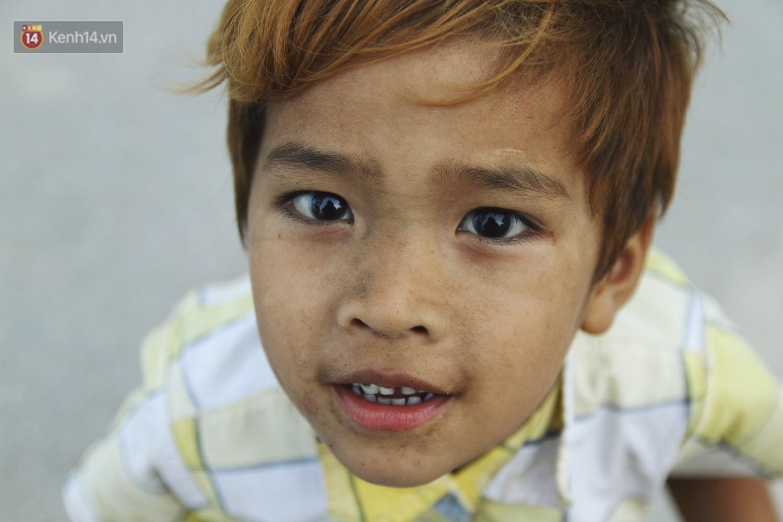 Người mẹ nghèo sinh 14 đứa con ở Hà Nội: Cố gắng tích góp để lỡ nằm xuống còn có cỗ quan tài, chứ chẳng phiền các con - Ảnh 9.