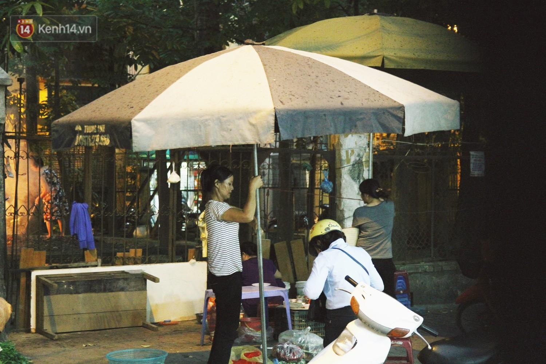 Sau bao ngày nắng nóng đổ lửa, Hà Nội đã có mưa trên diện rộng - Ảnh 7.